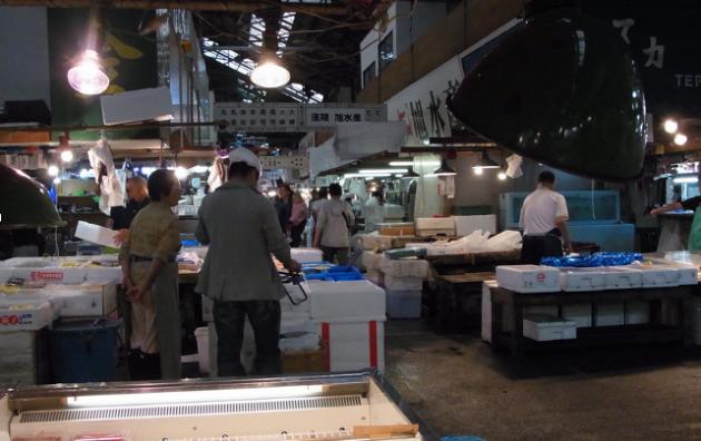 Tsukiji, the biggest fish market in the world