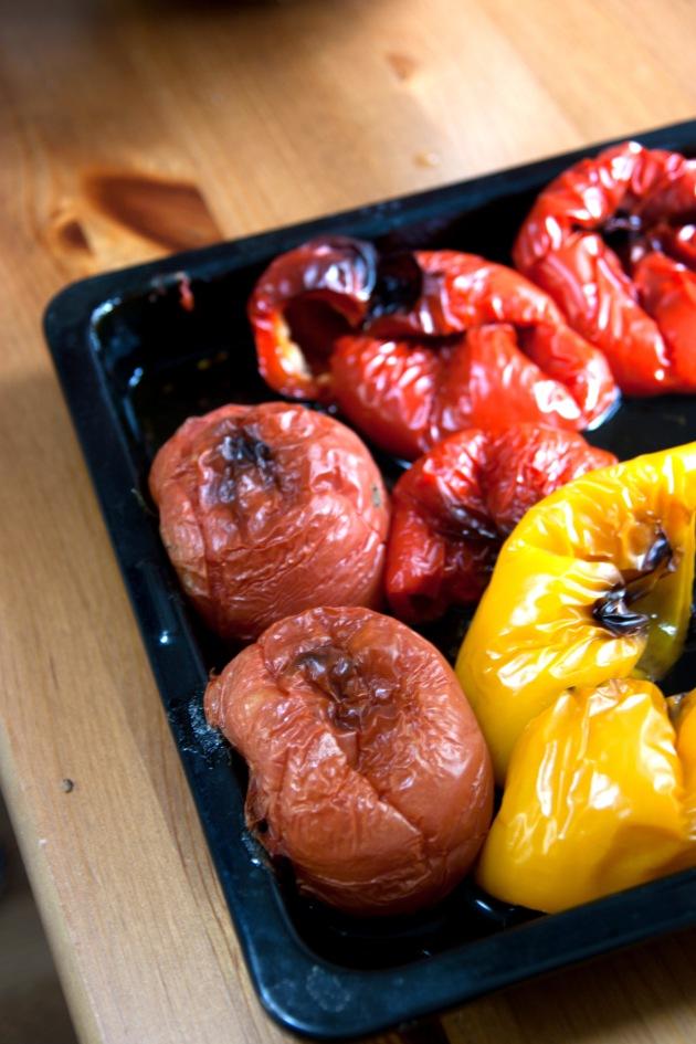 オーブンで焼いたパプリカとトマト